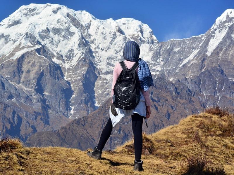 Khăn đa năng liệu có hữu dụng khi leo núi? Cách đeo khăn đa năng