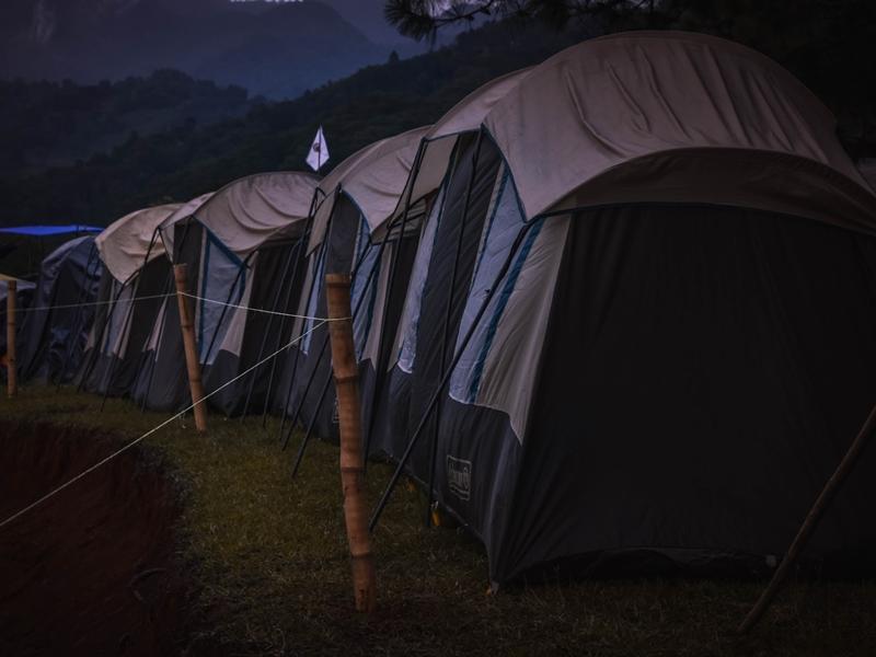 Nên lựa chọn cọc lều như thế nào đối với các bề mặt địa hình khác nhau?
