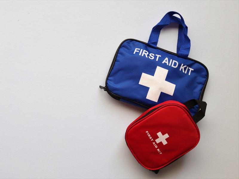 First aid kit là gì? – Vật dụng không thể thiếu trong mỗi chuyến đi