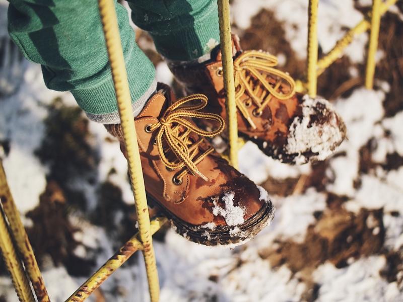 Đam mê hiking thì nên sử dụng loại giày nào?