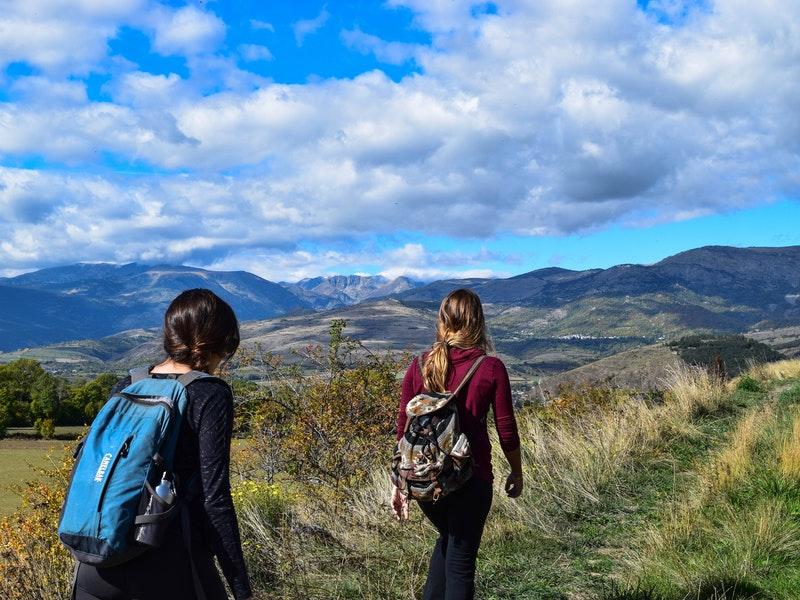 hiking là gì