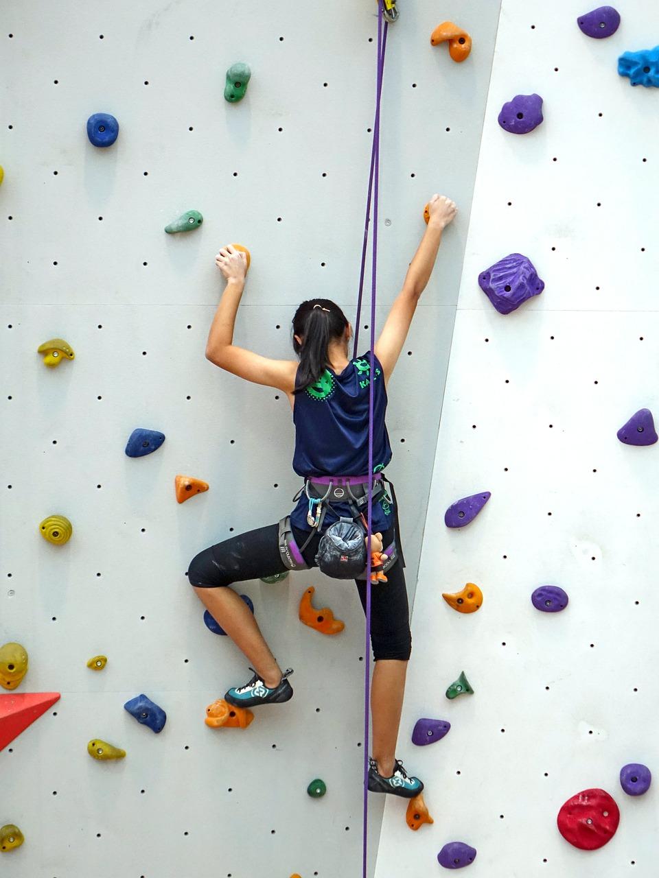 leo núi nhân tạo không sợ sệt