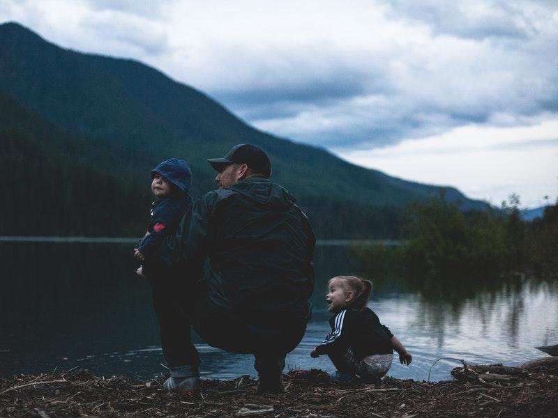 Bí quyết khiến trẻ yêu thích bộ môn leo núi - leo núi trẻ em