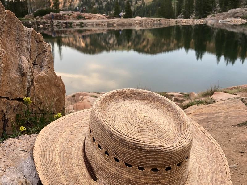Mũ trekking phải ra sao? Những loại mũ đặc biệt dành cho Trekking