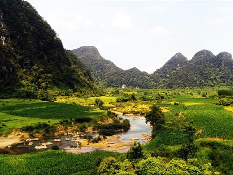 Địa điểm trekking/hiking nổi tiếng ở Bắc Trung Bộ